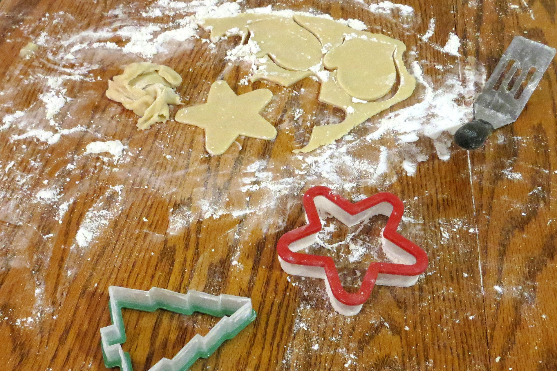 christmas-cookies-2261480_1920_edited - Copy