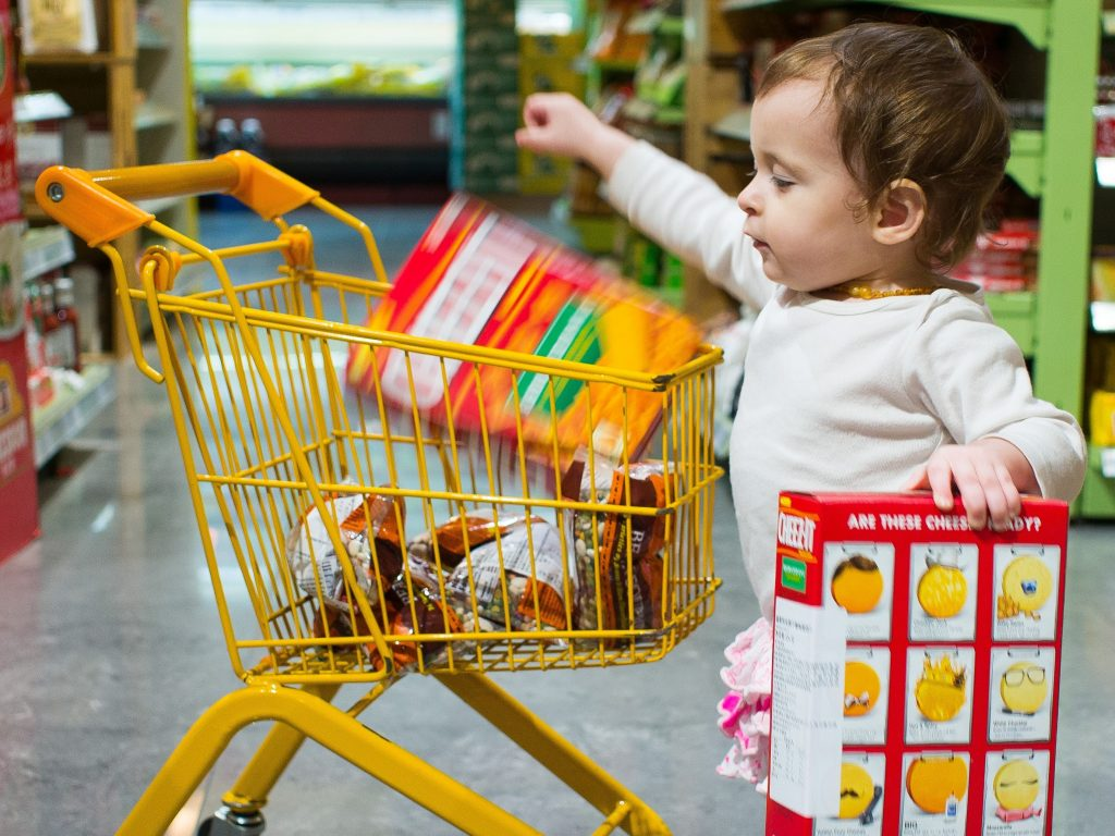 children at the grocery store